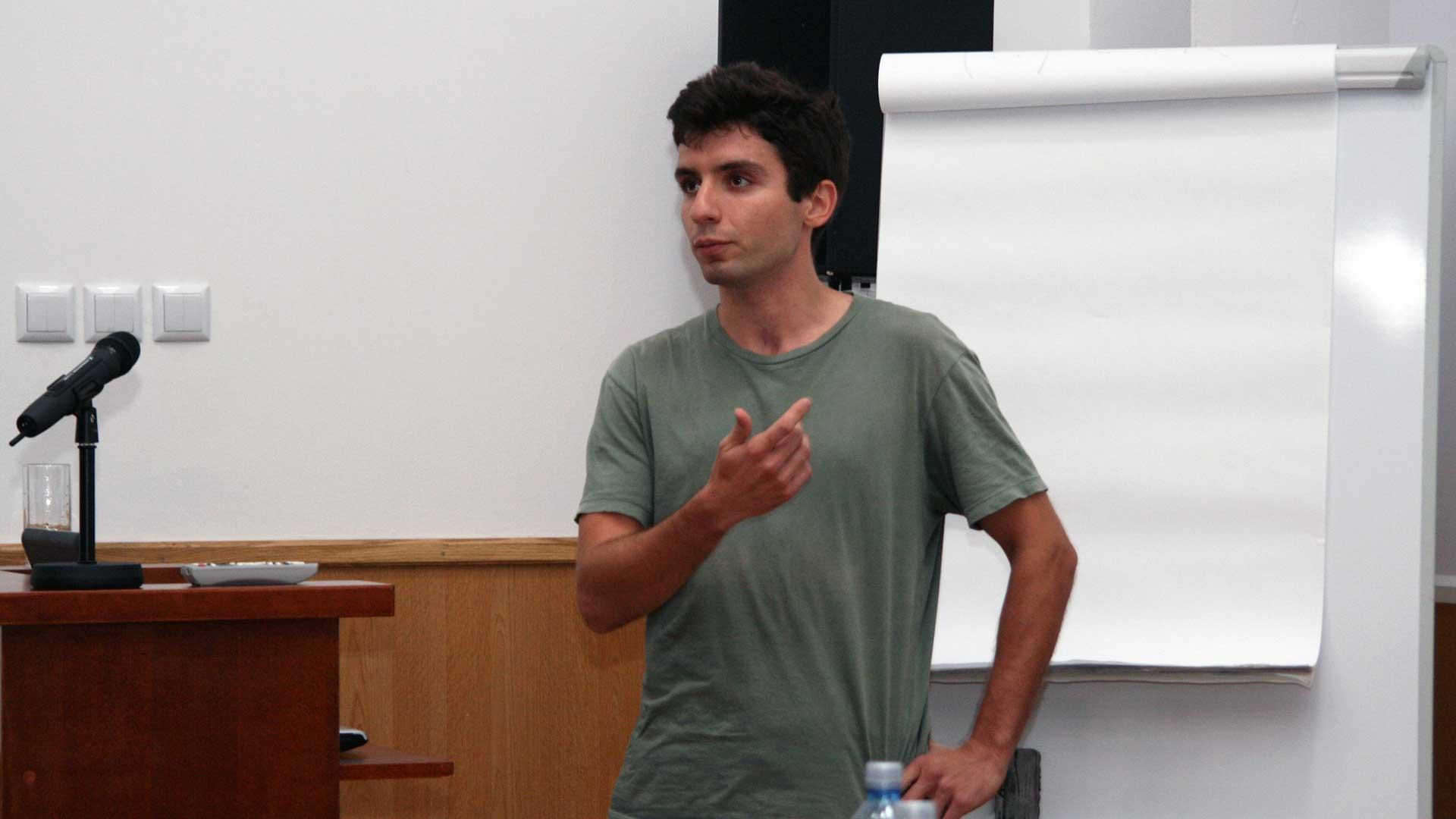 5 întrebări pentru Andrei Neguț